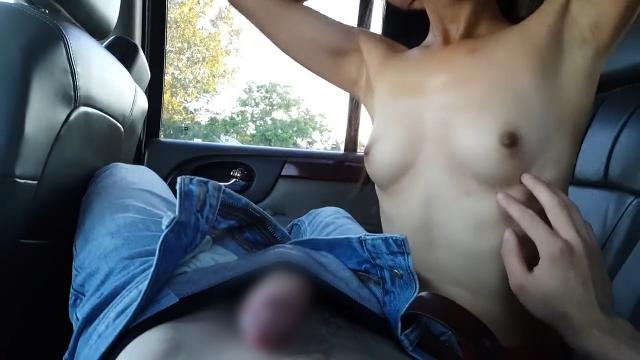 ★車でフェラ★スタイル抜群美女におちんちん舐め倒された♡